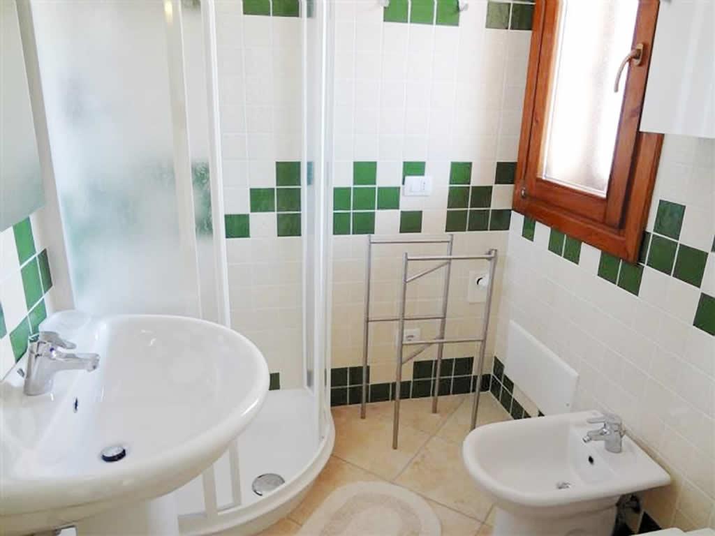 Bilocale 1 4 posti con piscina immobiliare li junchi badesi - Bagno al mare in gravidanza ...