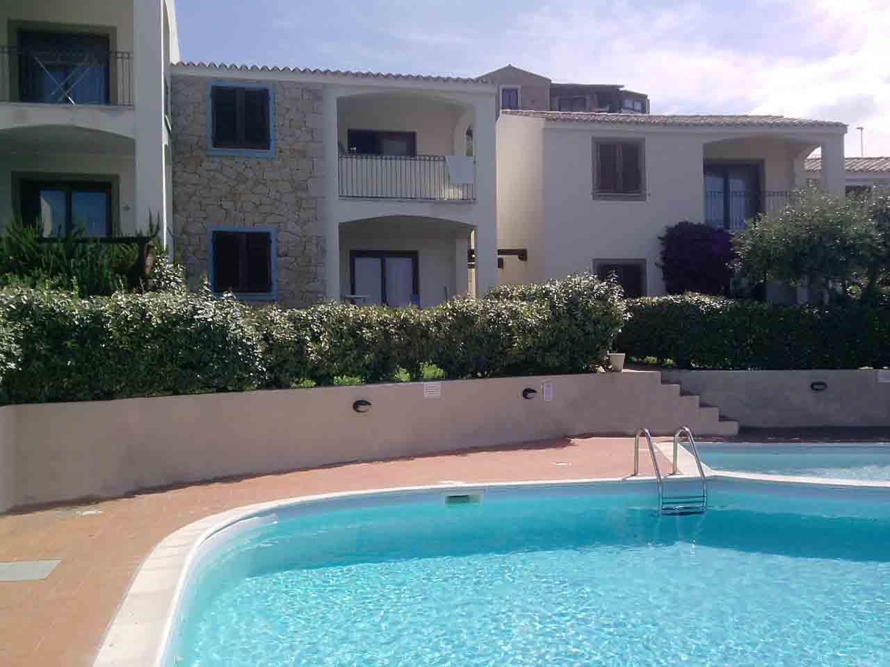 Bilocale panoramico, piscina,giardino