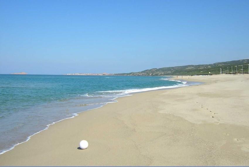 spiaggia di Badesi Li Junchi